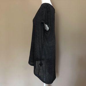 4/$25 Divided H&M large top v neck high low black